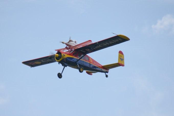 Cricri MC15E F-PZTU piloté par Dominique LOUAPRE et MH-1521 BROUSSARD F-GDPX piloté par Robert LAURENT