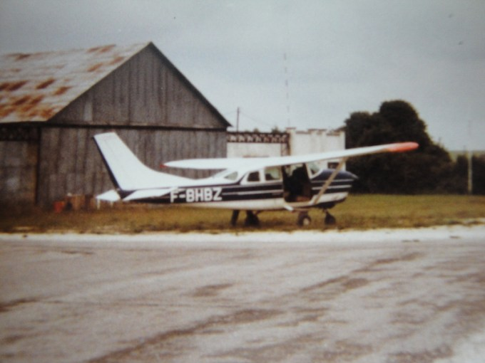Cessna C206 F-BHBZ ©Alain Delibero