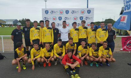 Les U17 de l'AS Tiercé-Cheffes terminent à une très belle 13e place au tournoi national de Brétignolles.