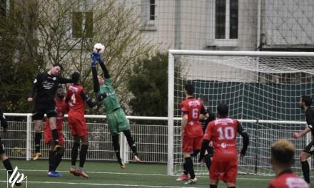 DH (18e journée) : Nouveau succès pour le SO Cholet (b) qui s'impose 3 buts à 1, face à la réserve des Voltigeurs.