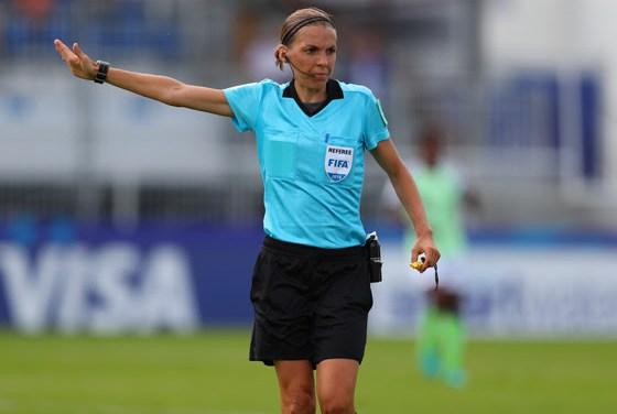 Coupe du Monde féminine U20 : Stéphanie Frappart, une Française en finale.