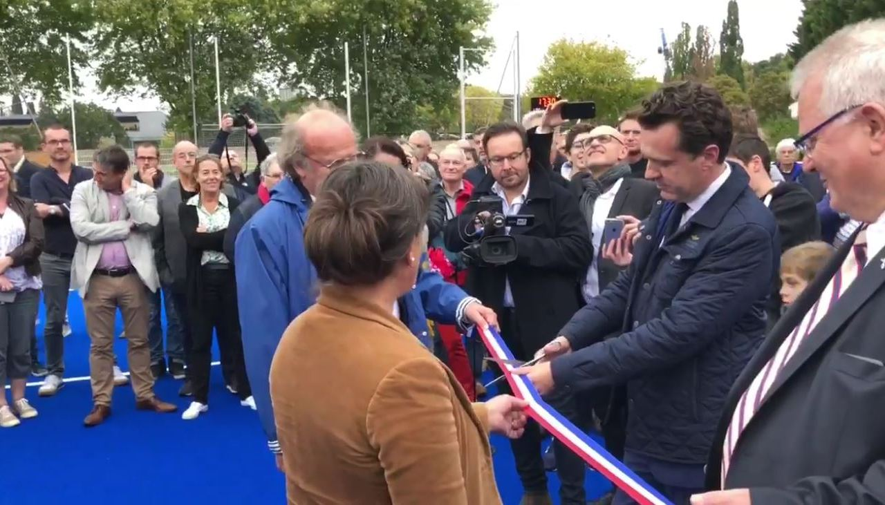 Le terrain de hockey sur gazon du stade Josette et Roger Mikulak a été inauguré, ce mercredi 10 octobre 2018.