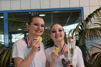 Juliette Bouvy et Camille Chafes avec leurs médailles d'or (Photo : Jimmy Joubert)
