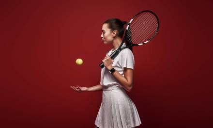 Le matériel indispensable pour jouer au tennis.