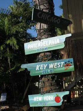 Bahia cabana signs