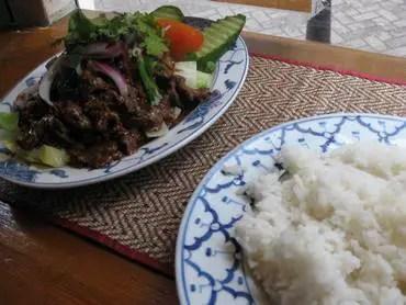 Thai snackbird beef with garlic