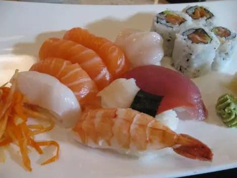 Happy sushi sushi
