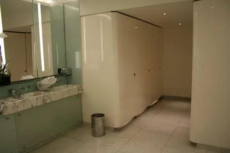 Bar boulud bathroom