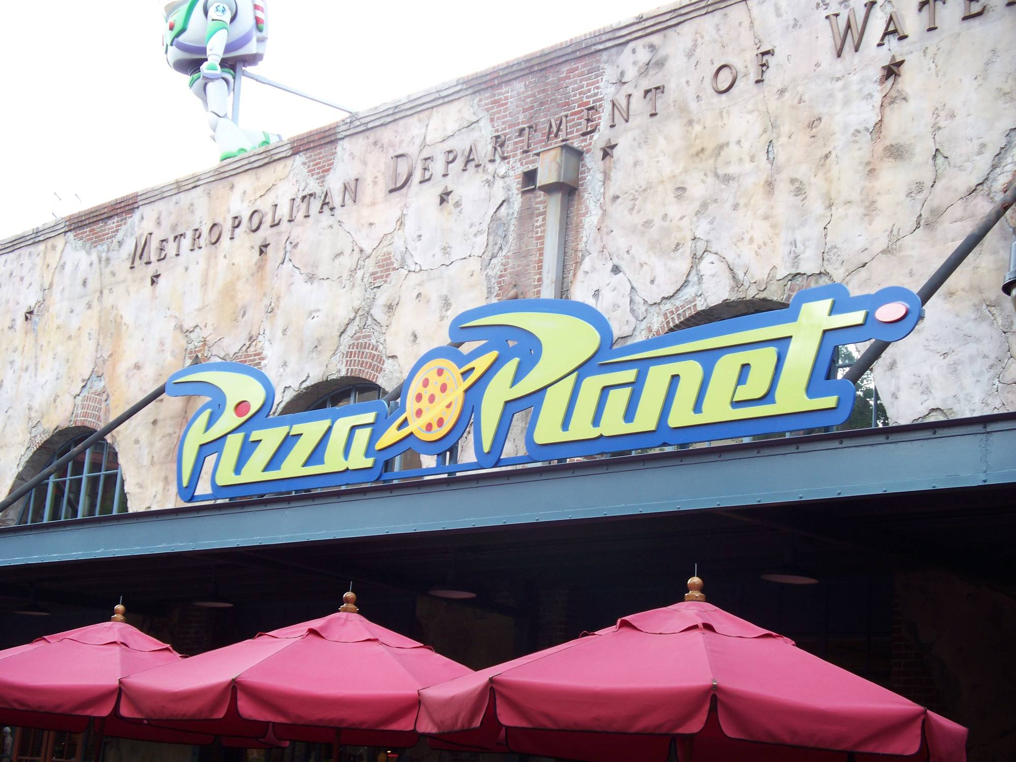 Toy Story Pizza Planet Arcade Closed