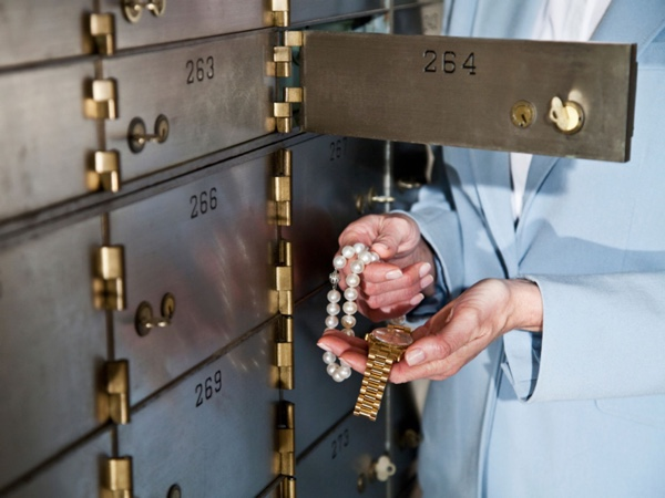 safe-deposit-boxes