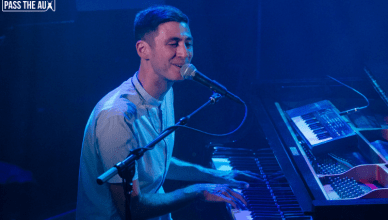 Joey Dosik Troubadour 2018 mainbar
