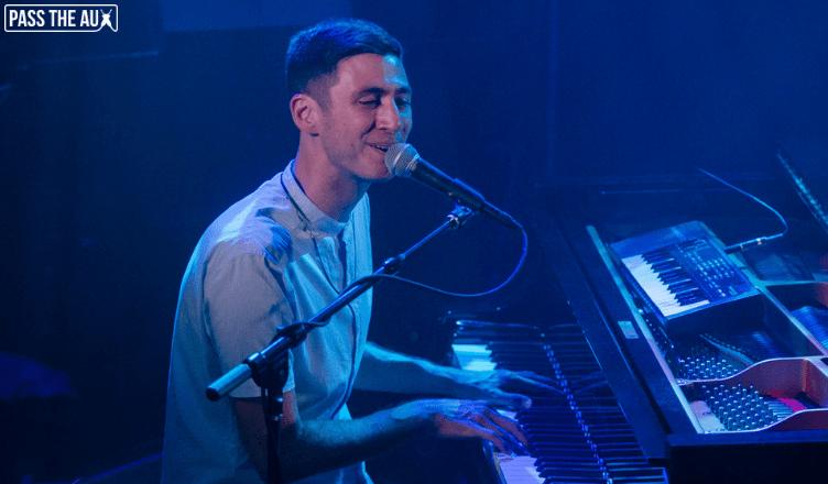 Joey Dosik Troubadour 2018 mainbar