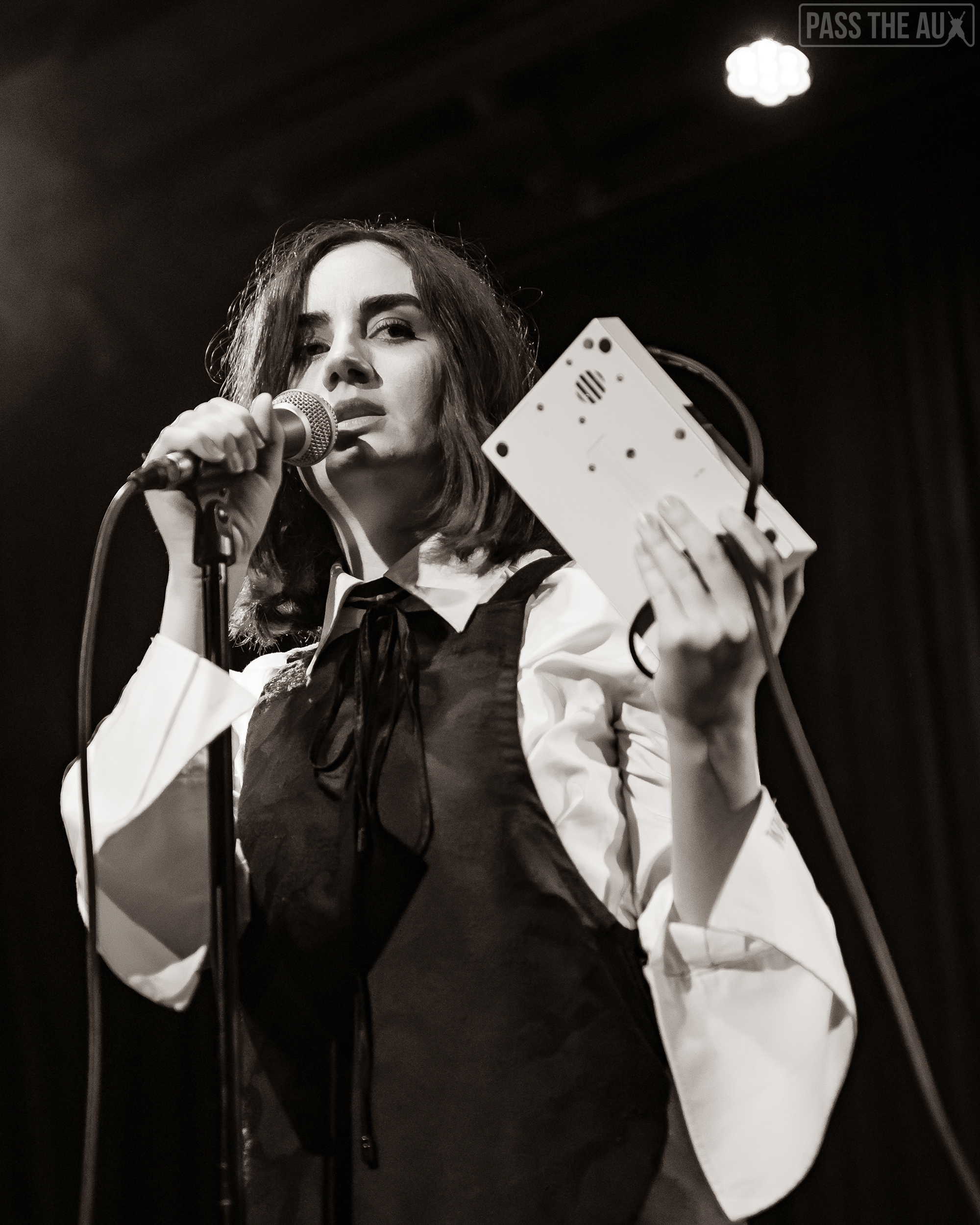 Meg Mac delivers soulful set at Bootleg Bar - Pass The Aux
