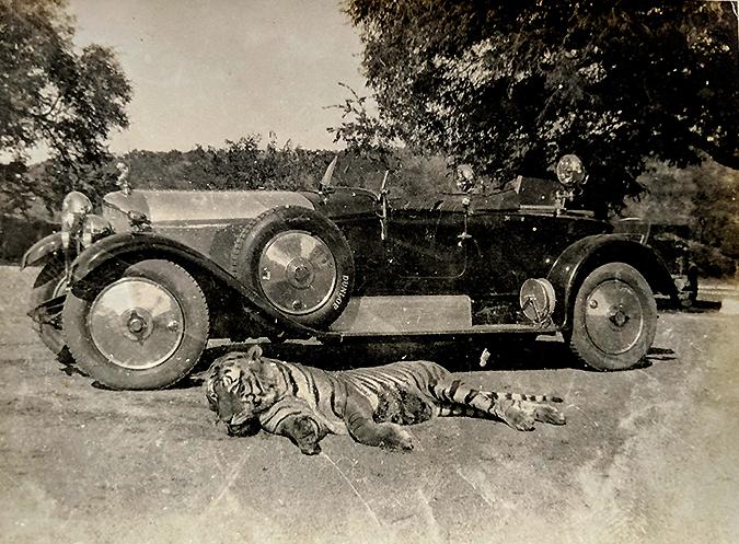 Vintage Photo Nawab Of Bhopal's Hunting Bentley 1926 (#2)