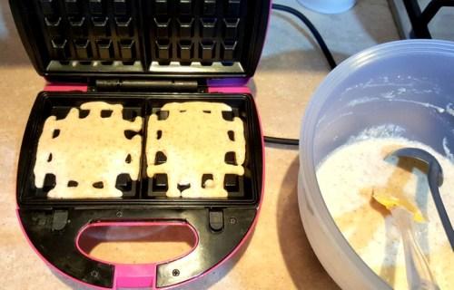 versare-la-pastella-sulle piastre