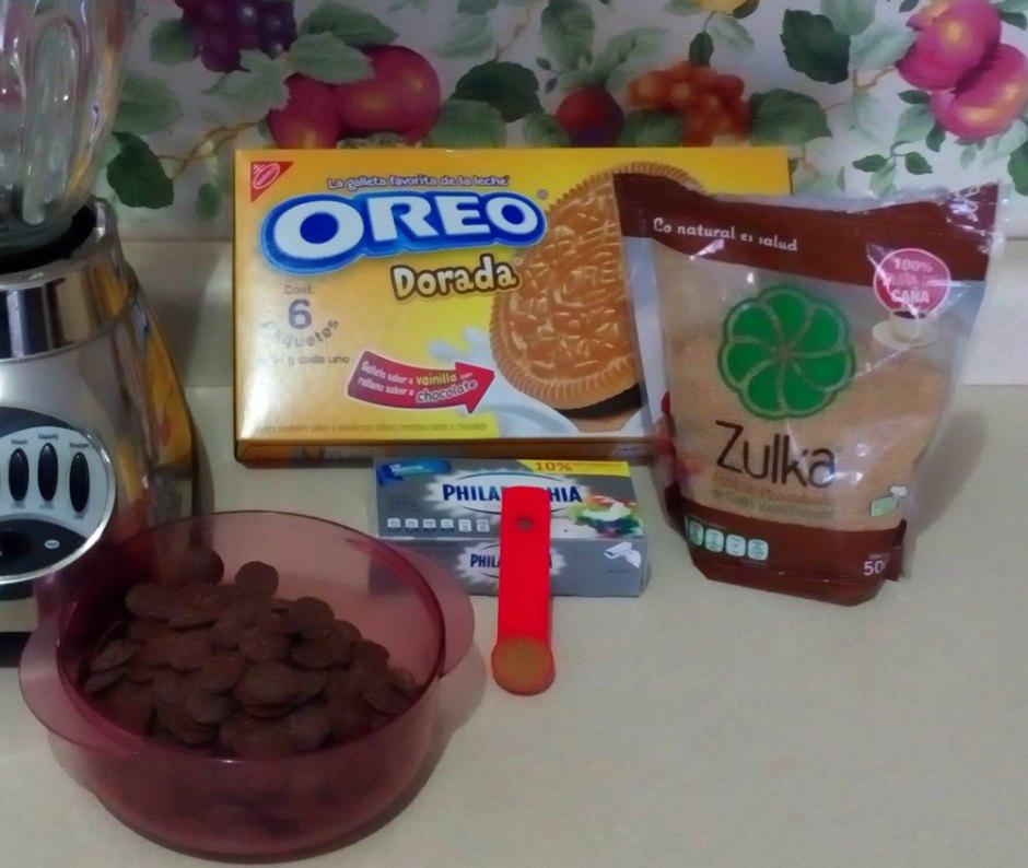 Galletas Oreo Doradas , chocolate, queso crema, canela y azucar