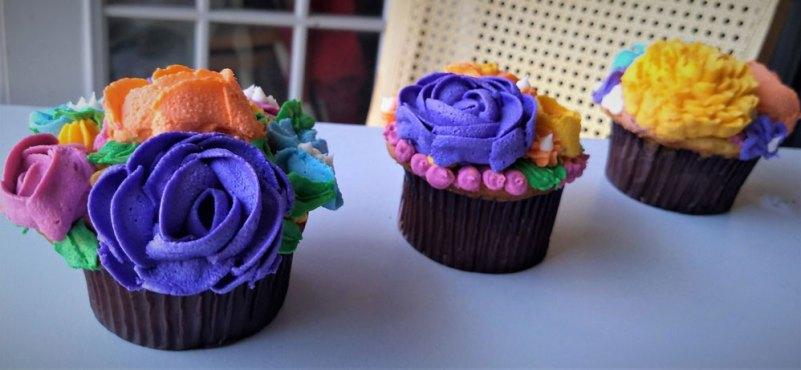 cupcakes de flores son el regalo ideal para mamá
