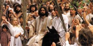 PP_Jesus_on_Donkey_PalmSundayCrowd_35K