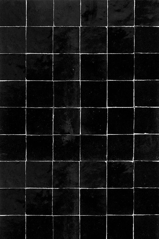 fond photo carrelage Noir foncé vieilli, céramique noire, carrelage ancien pour photo culinaire