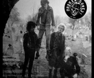 Broken Bones - A Single Decade LP ( Discharge )
