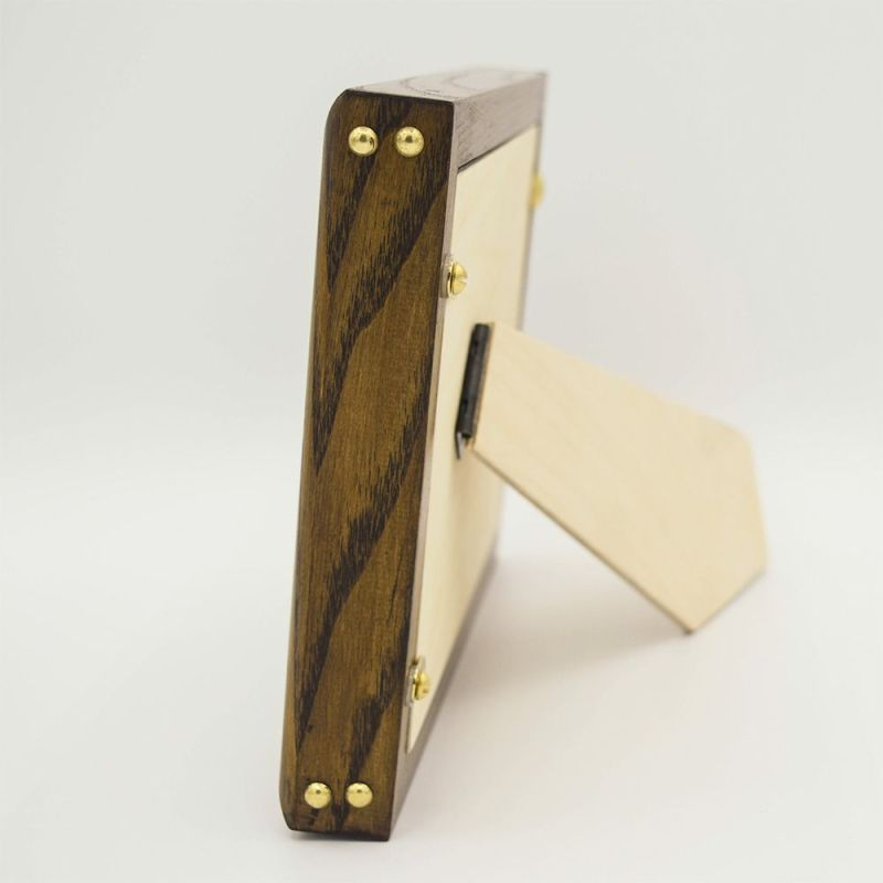 Side Photo of the Dave Photo Frame showing Stud Detail and Strut