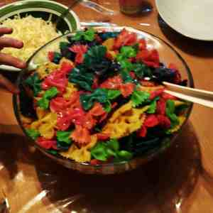 Blumengeburtstag Regenbogen Pasta Abendessen