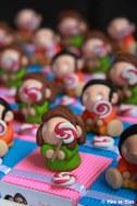 Boîtes à dragées enfants et leurs sucettes thème gourmandises sucreries