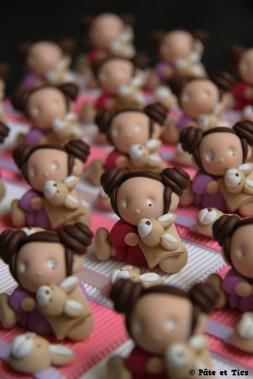 Boîtes à dragées enfants et leurs doudous lapins