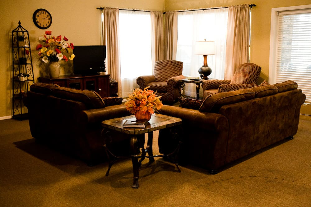 Living room of towne lake residential home