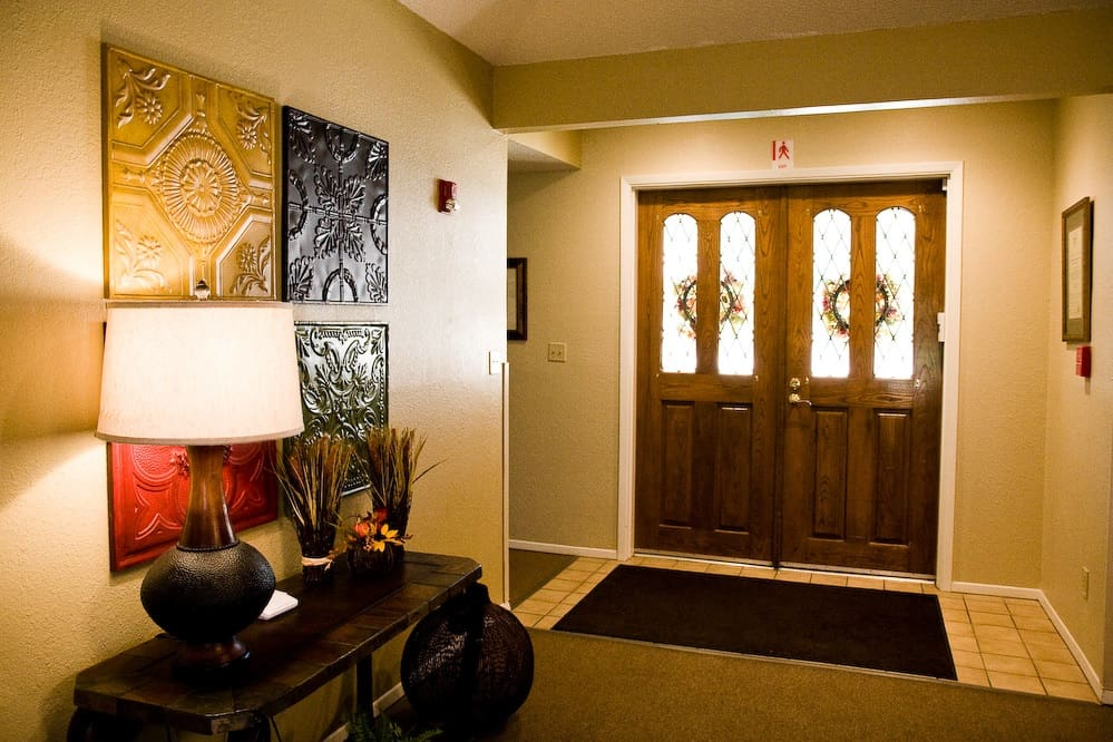 picture of entry way with wall art