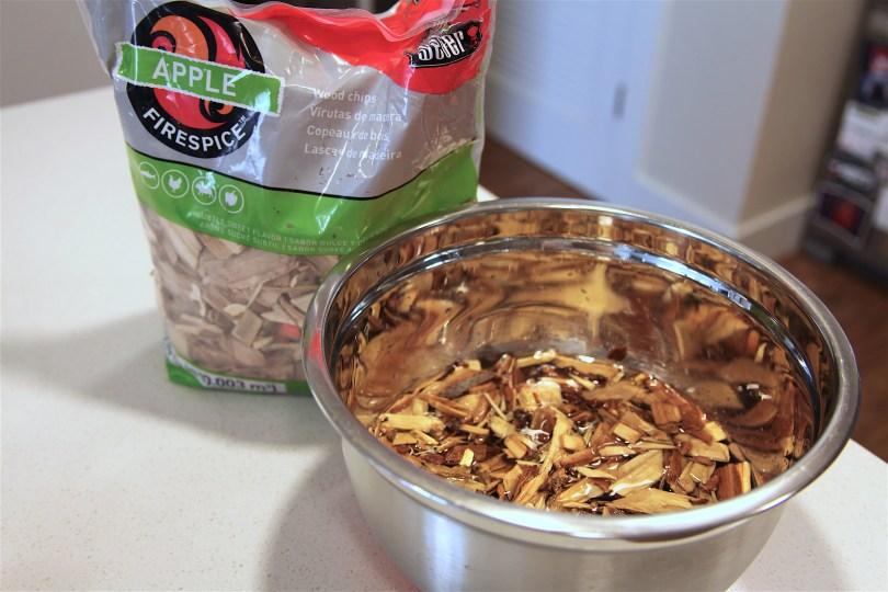 How to Smoke Garlic (Smoked Garlic Recipe)