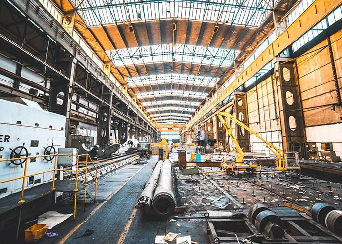 Indoor Luftaufnahme einer Industriehalle