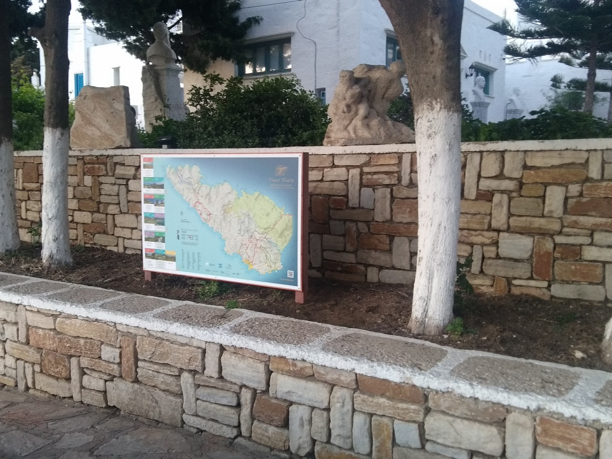Tinos Trails signs map