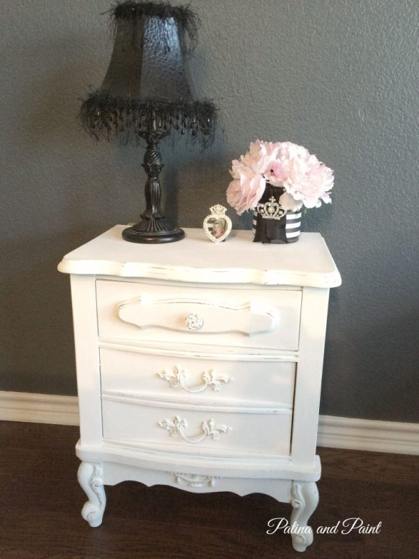 2 nightstands 11