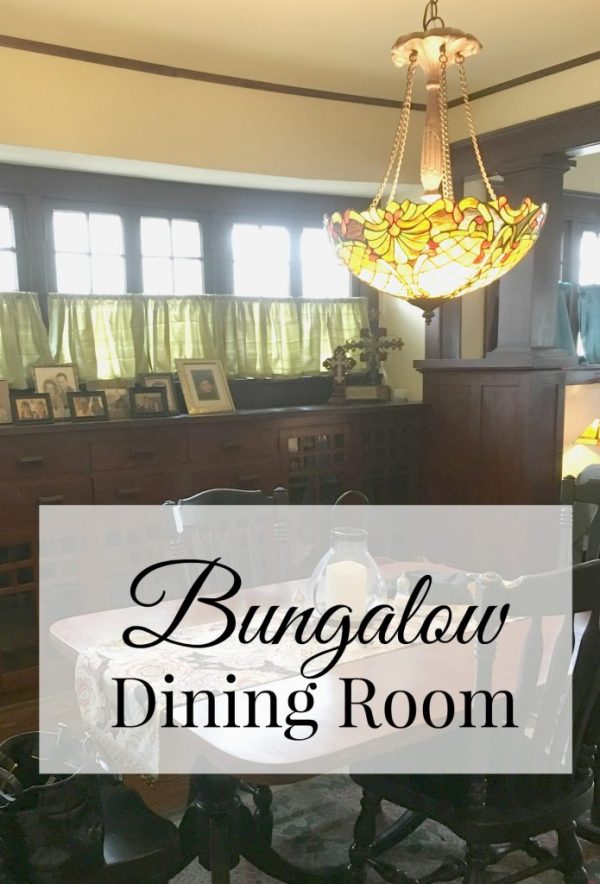 Bungalow dining room 14