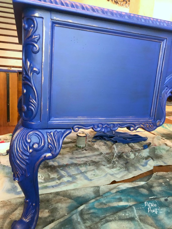 Klien blue desk