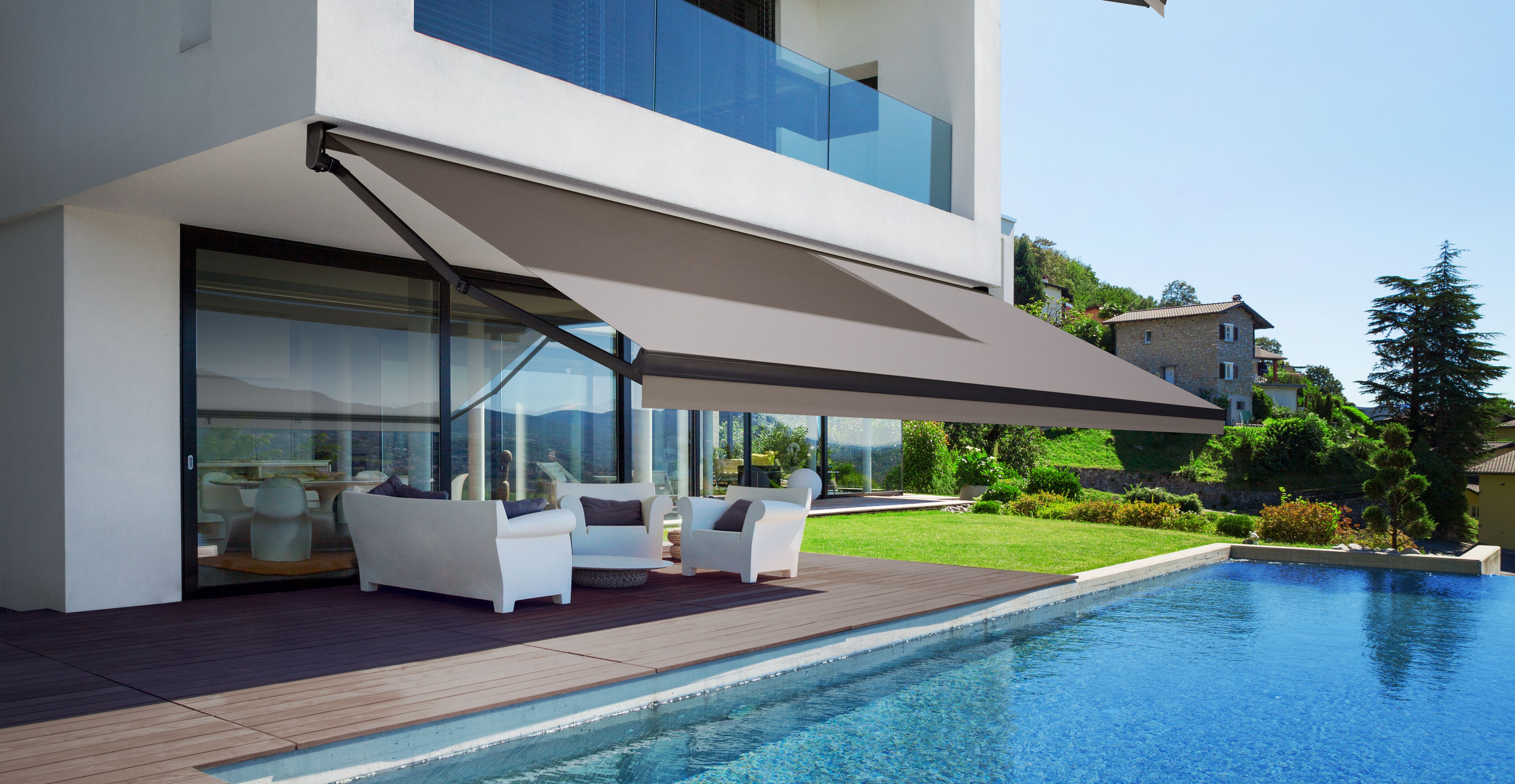 retractable awnings and canopies
