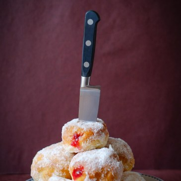 Baked Jelly Doughnuts – Bake in Black Giveaway