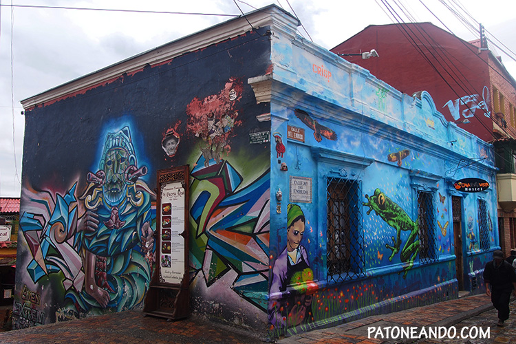 En la Candelaria se pueden observar como los graffities le dan vida y color a sus calles