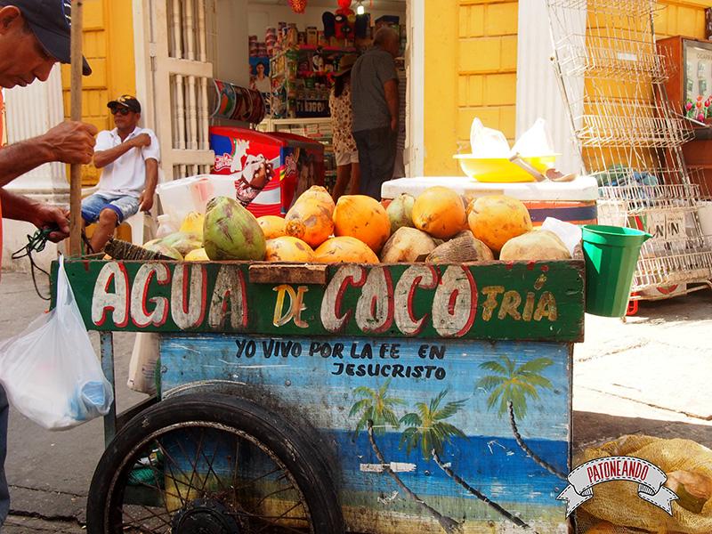 Cartagena - Colombia-agua de coco - Patoneando Blog de viajes.jpg