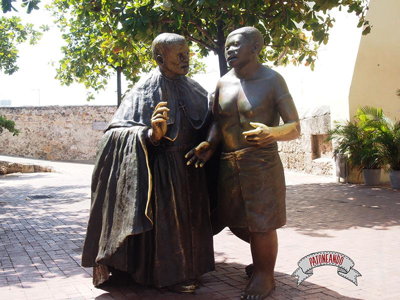 Cartagena - Colombia-La plaza San Pedro Claver- Patoneando Blog de viajes.jpg