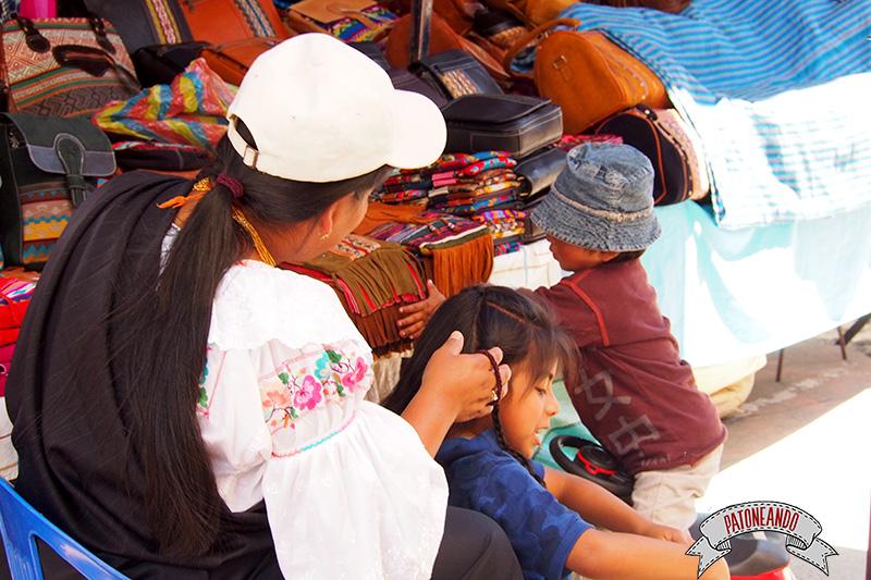 mercado-de-otavalo-ecuador-Patoneando-blog-de-viajes-8.jpg