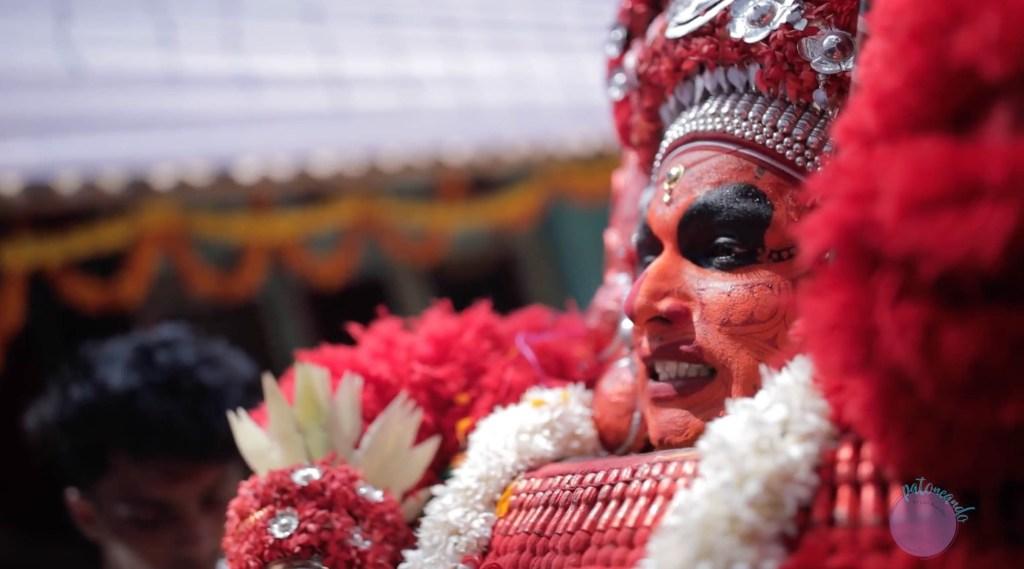 Captura de pantalla Que hacer en Kerala - lo mejor de kerala India - Danza Theyyam - Patoneando blog de viajes m.jpg
