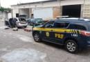 Dois homens são presos pela PRF em Patos transportando 25.200 maços de cigarro sem comprovação de origem