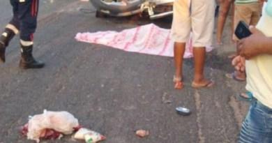 Colisão envolvendo carro e moto deixa casal morto no Sertão