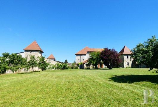 aux portes de la savoie une maison forte du 16eme siecle sur 13 hectares ref 114688