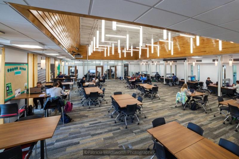 Edwards School of Business_2475