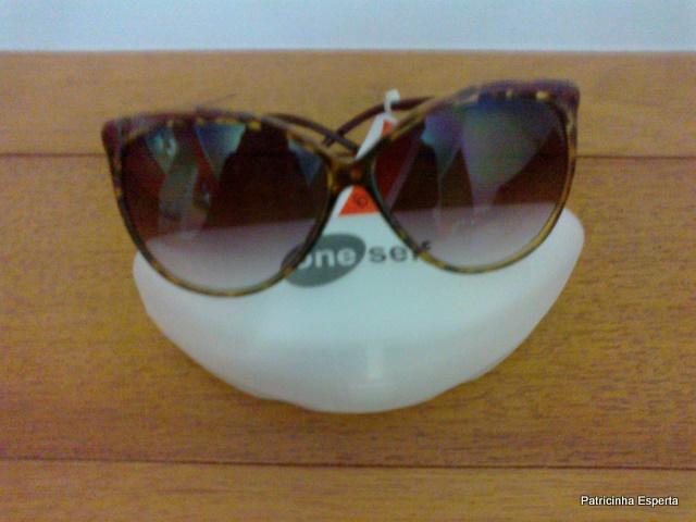 18102011456 - Extra... Extra... Óculos Escuro na C&A por R$ 19,90