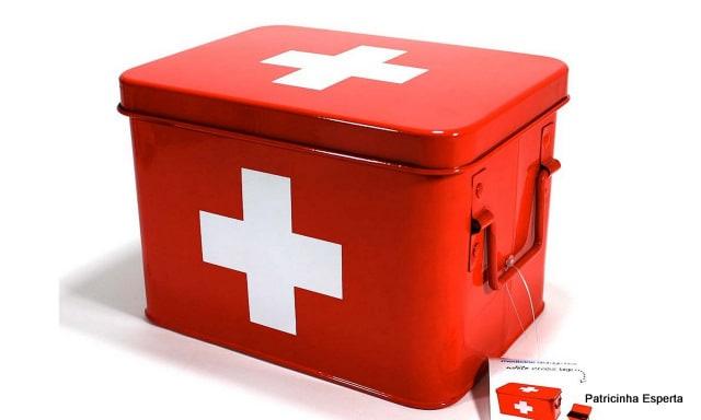 2011 12 21 - Arrumando a Necessaire - Remédios