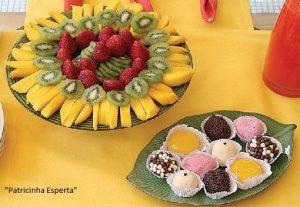 frutas e doces 97121 300x207 - Frutas ou doces? Eis a questão....